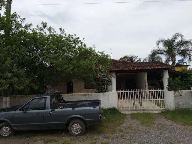 Quarto de Casa na Barra do Saí em Itapoá-SC
