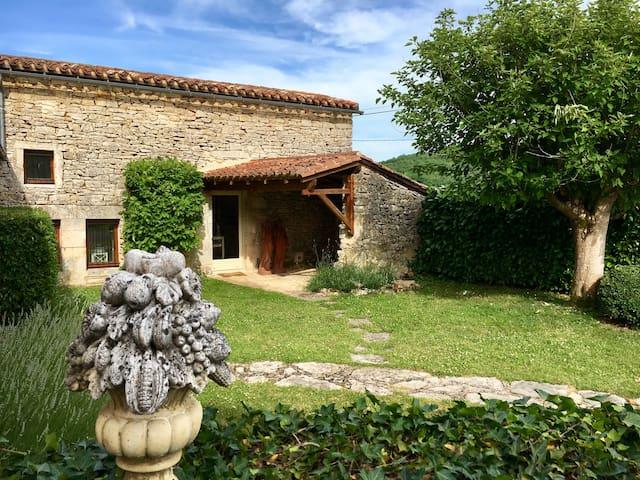 Petite maison romantique en Périgord