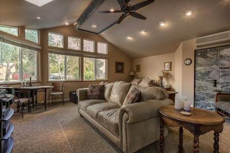 Spacious Great Room With Private Entry and Bath - Paso Robles - House