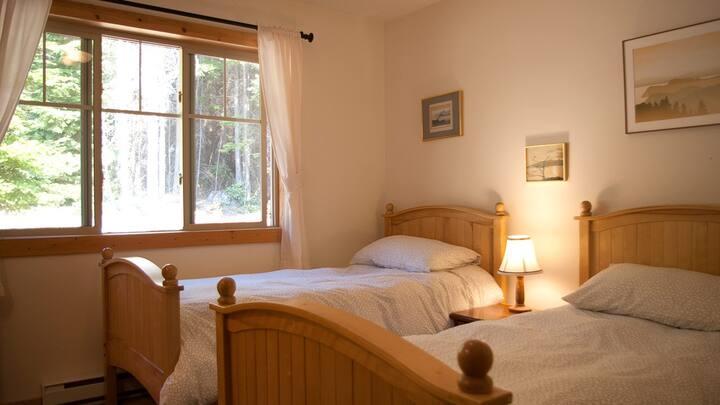 The BnB on Bowen Island - North Room