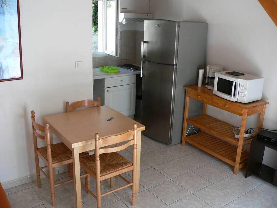T1 de 30m dans petite maison neuve maisons louer for Petite maison neuve
