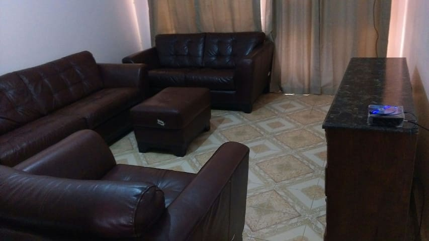 Cozy fenced 2BD with parking - Kasangati - Byt