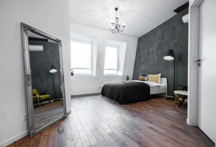 Comfortable studio in the Old Town