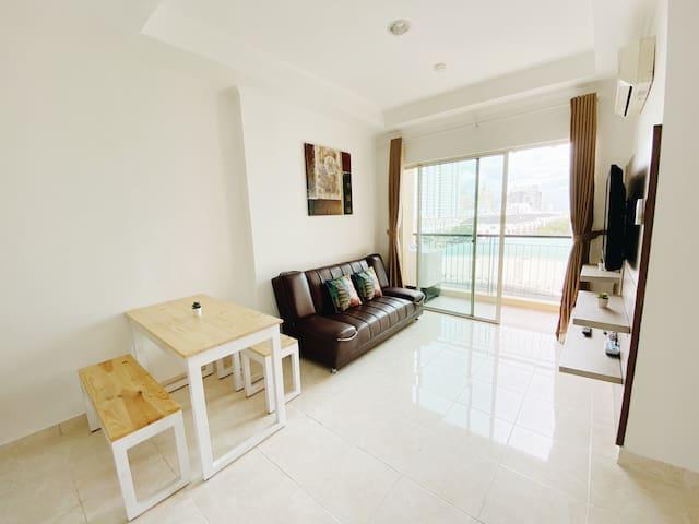 RARE FIND! Clean & Spacious 2BR Apartment @ MOI