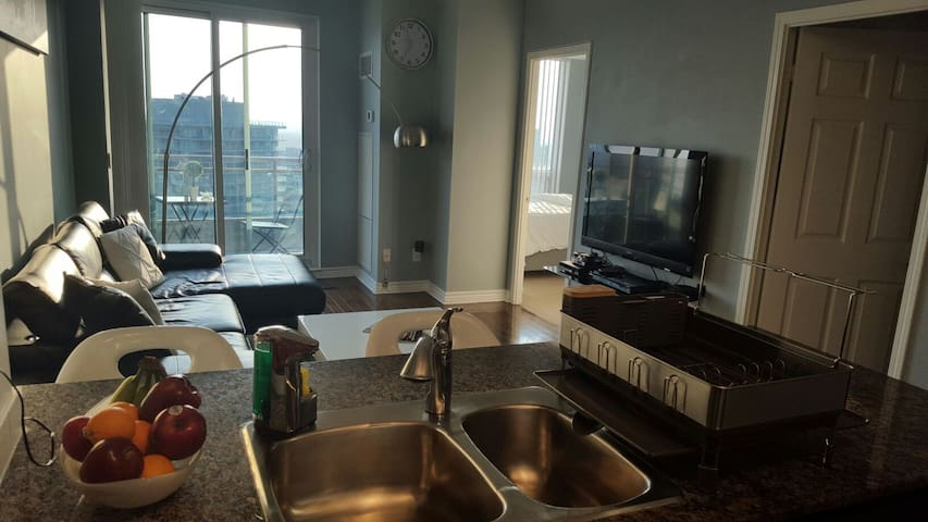 Luxury condo in the heart of downtown North York!! - Toronto - Flat