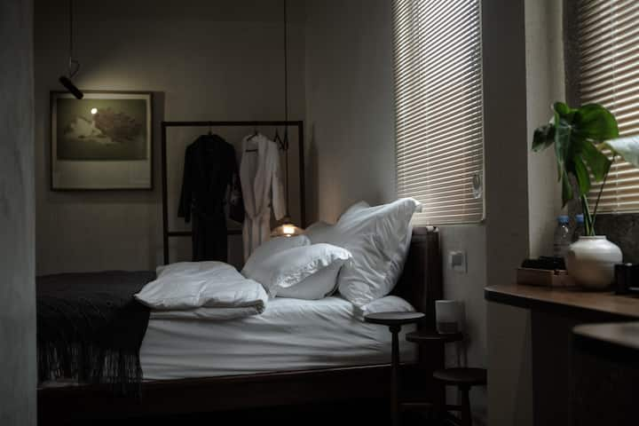 行山·樨园 / XI VILLA #305 后现代大床套房