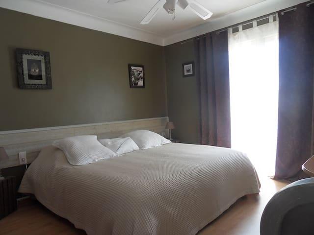 Chambre tout confort avec balcon - Argelès-sur-Mer - Villa