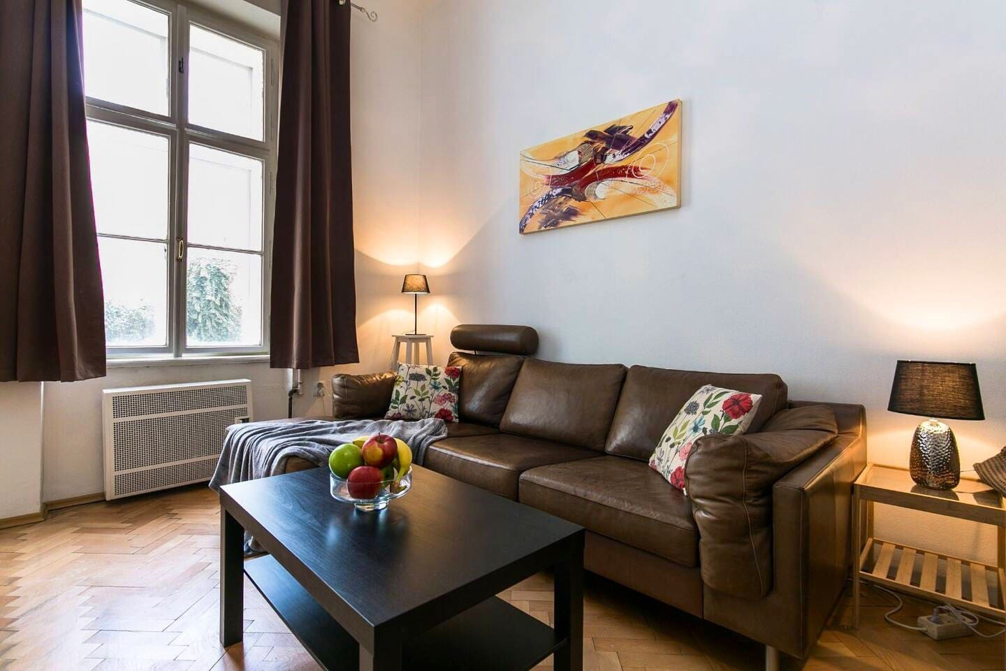 Relax in our calm and bright apartment with inner garden view in our amazing hometown Prague short stroll to historical monuments like OldTown square, Charles bridge, Municipal house