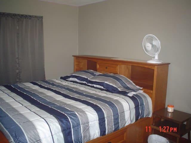 Mater Bedroom, King Bed.