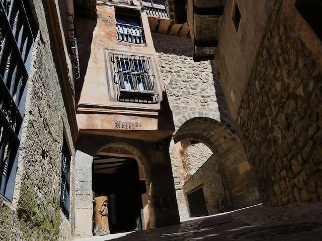 El torreón del adarve. Un apartamento con historia