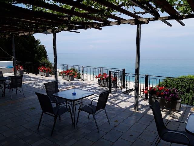Ammos Apartment, 50m to Papa Nero beach Ag Ioannis