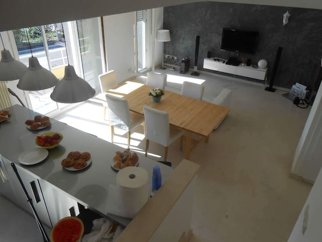 Modern Duplex /Terrace/ parking/ close to Center - Hesperange - Apartamento