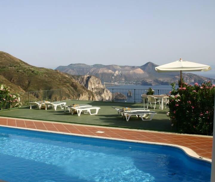 Casa Ulivo, Le Poiane, vista mare, piscina e wifi