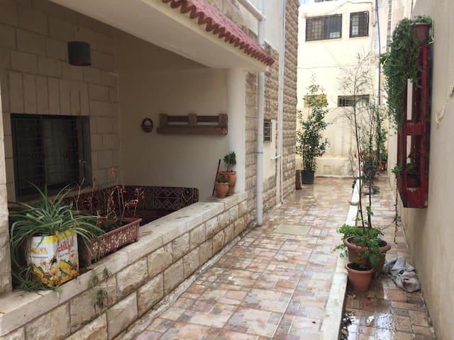 One bedroom apt with a terrace in Jabal alwiebdhe