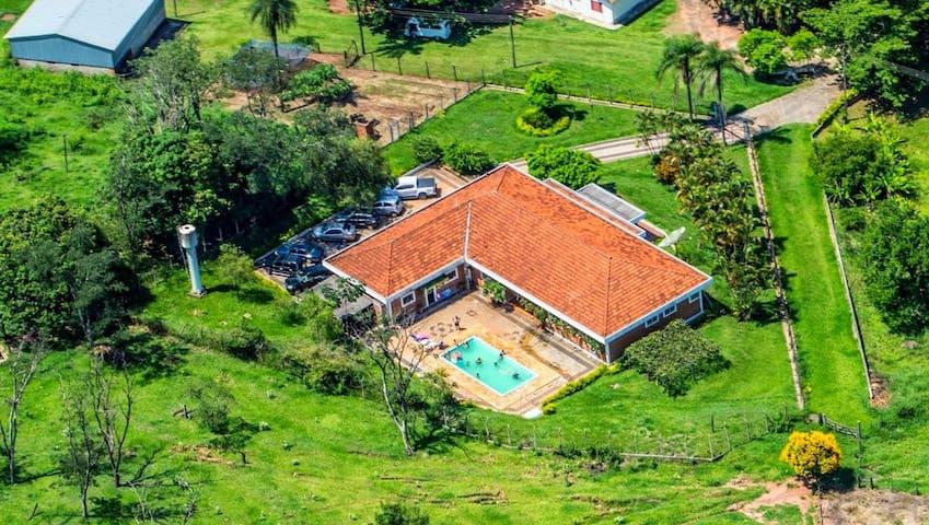 Casa em Descalvado com piscina e área de churrasco - Descalvado - Appartement