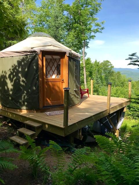 Trailside Yurt with Mt. Washington Views