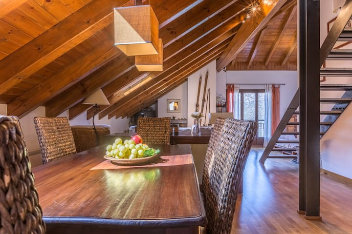 Beautiful Loft in Roní - Near Port Ainé ski slopes