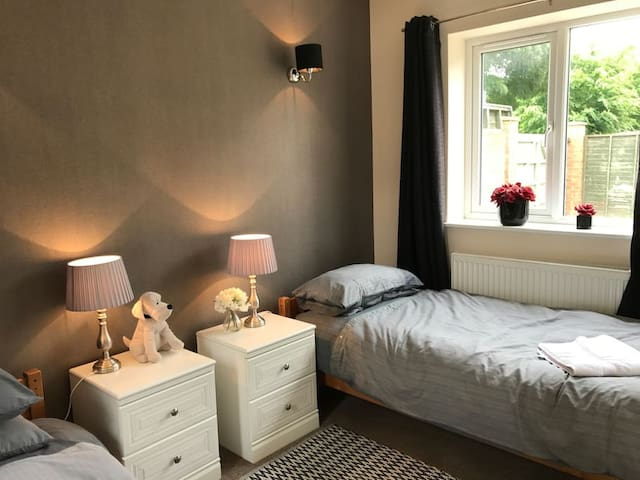 Sleeps 17 in 3 double beds and 11 single beds