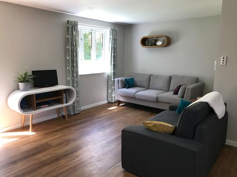 Brook Lodgings - centrally located home
