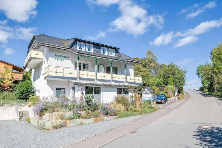 Modern Apartment in Schwalefeld with Garden