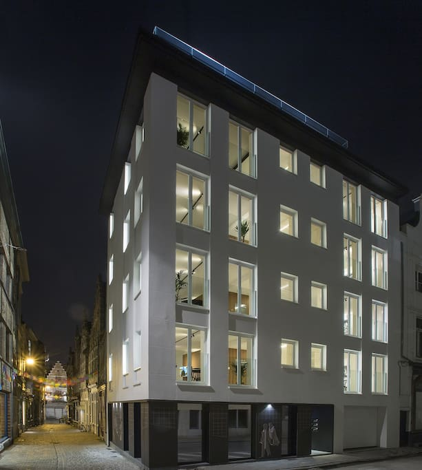 Design flat centrum apartments for rent in gent for Design appartement gent
