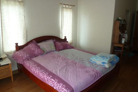 2 chambres chez l'habitant - Si Racha - Bed & Breakfast