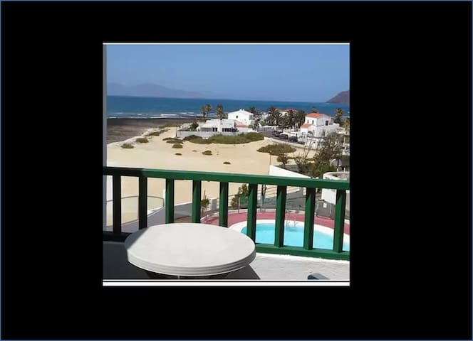 Exclusive Beach front with pool Corralejo Spain