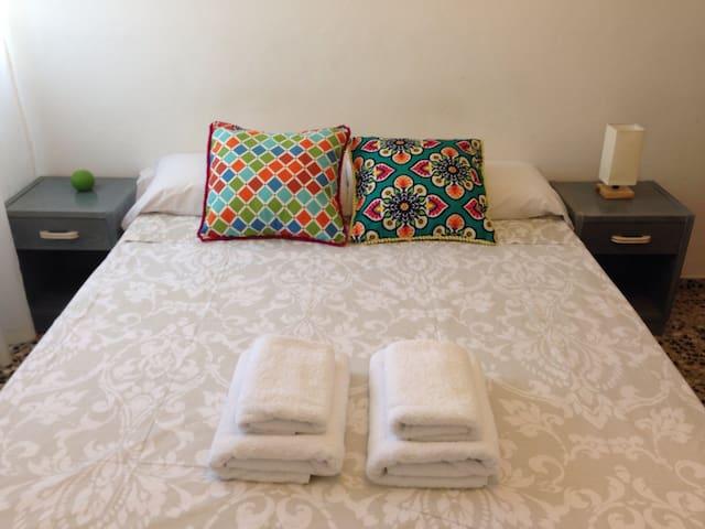 Double room in Ibiza harbor. - Eivissa - Bed & Breakfast