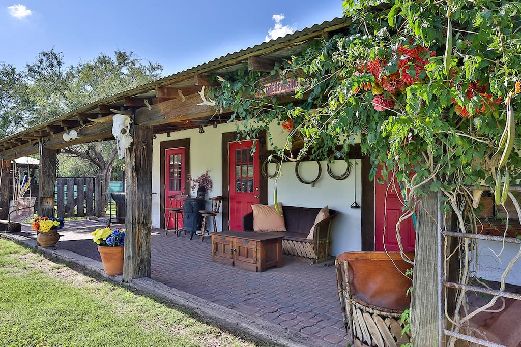 Cp Ranch Bunkhouse Guesthouses For Rent In Nogales