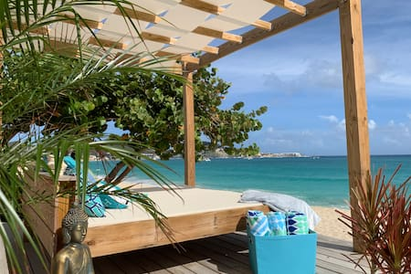 Spacious modern two bedroom beachfront property