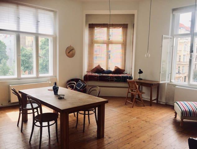 Sunny apartment in the heart of Kreuzberg