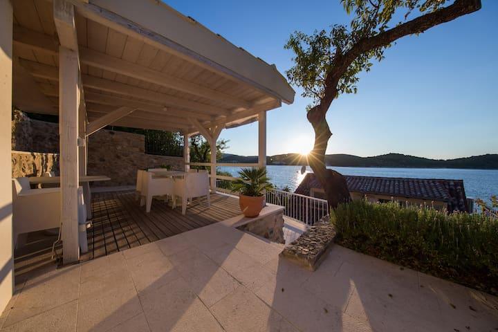 Villa Aquamarine - terrace