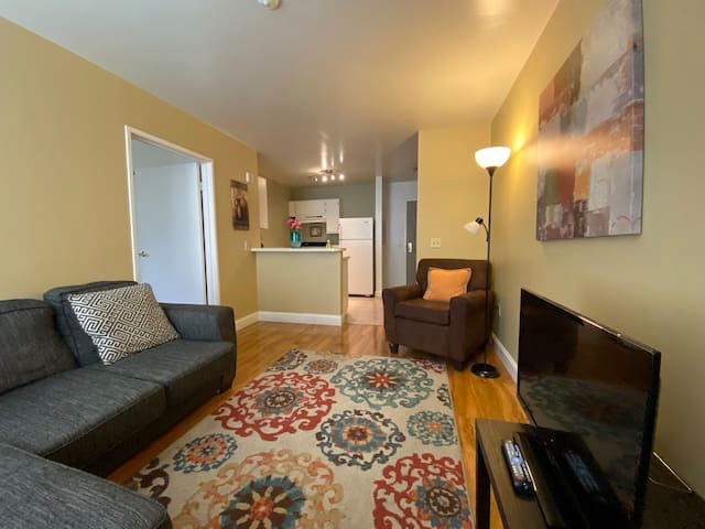 1BR on 15th Floor in a Downtown Highrise - Walk to Beale Street or Convention Center 1511