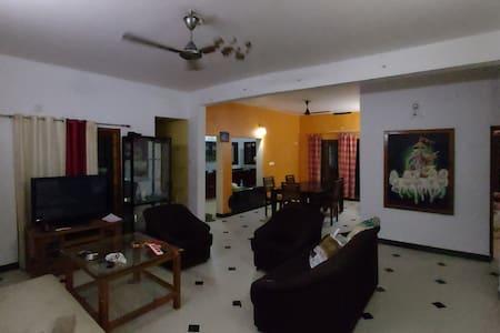 Kakkathuruthu Home Stays