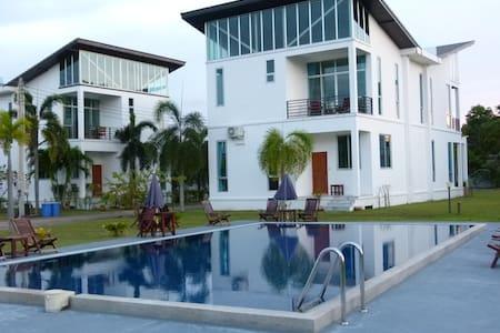 Ray Caribbean Villa II - Klaeng