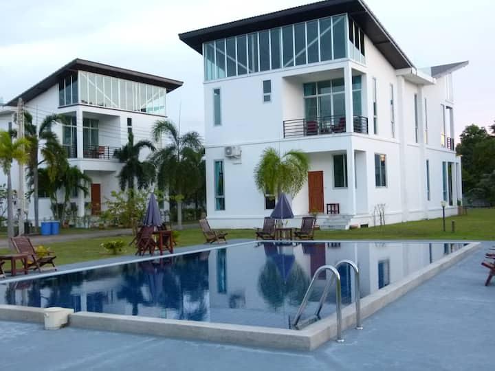 Ray Caribbean Villa II