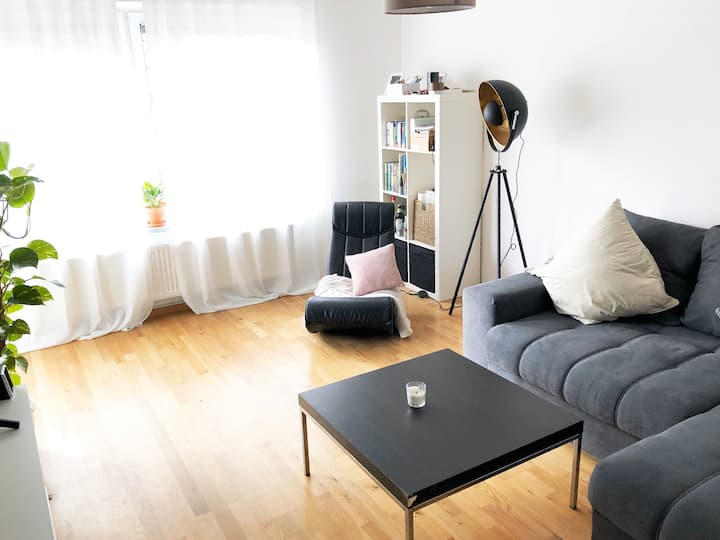 Entire 70m2 apartment in a relaxed neighborhood
