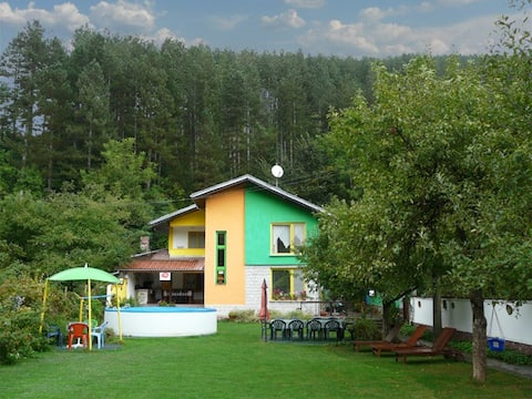 Guest House Vila Colour