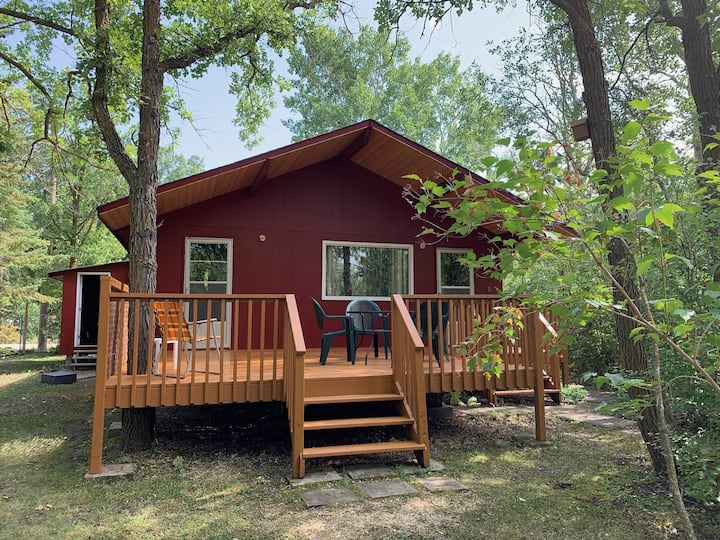 3 Bedroom Cabin - Patricia Beach