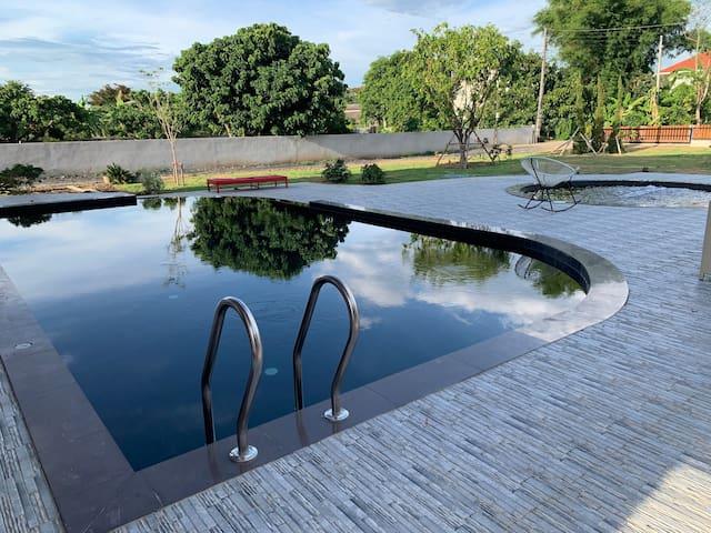 Luxury villa, hot tube, infinity pool, HomeTheater