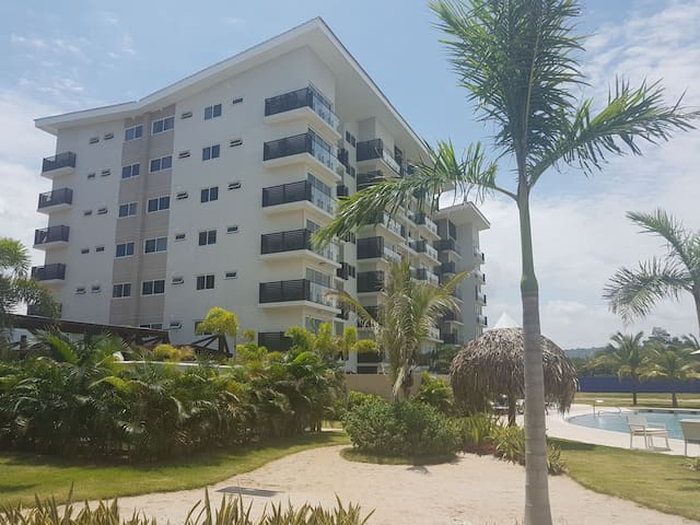 Cozy 2 bedroom apartment at Playa Caracol