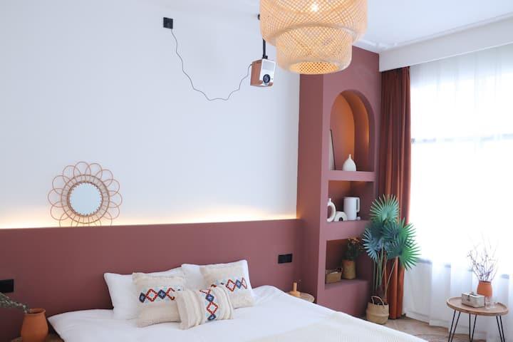 南岳衡山摩洛哥独栋民宿 复古红投影大床房