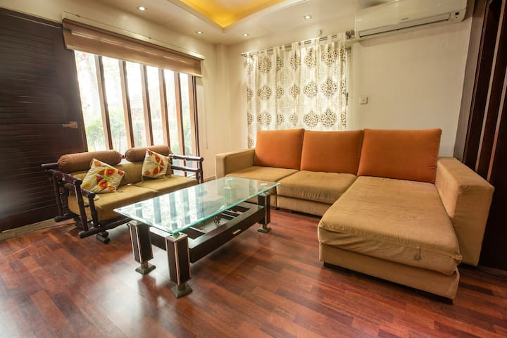 BEST HOUSE TO STAY IN DHAKA NEAR AIRPORT