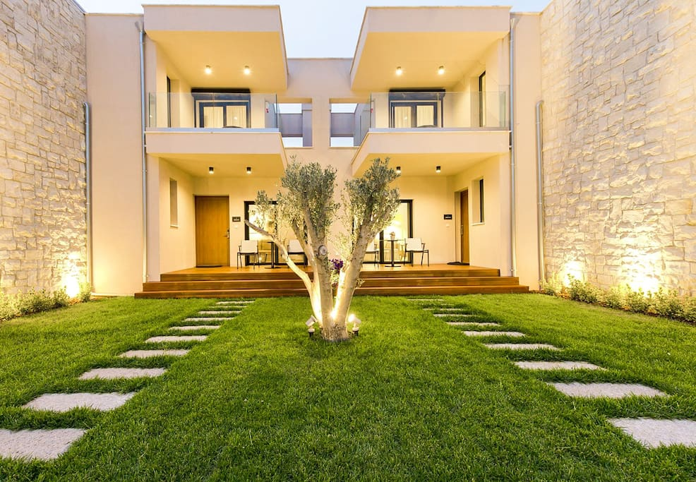The Spectacular Property.