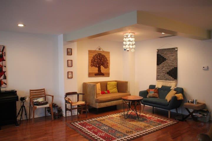 Spacious & Stylish Princeton Home. Reunion-Ready.