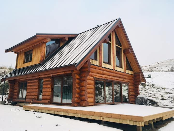 Cardrona Western Cedar Log Home