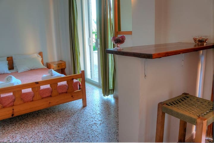 1 Bedroom Apartment / Double Bed - Mpenitses - Appartement