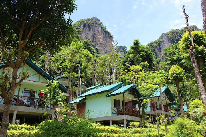 Hillside Cliffs Bungalow 1, Krabi