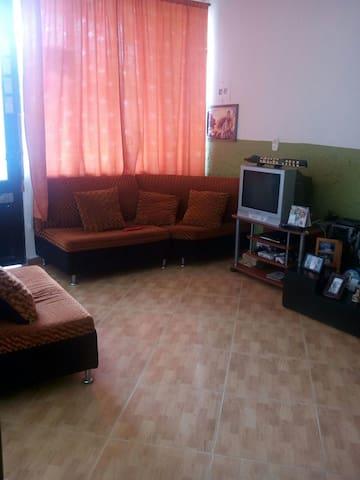 Alojamiento tipo habitación en Acacías, Meta.