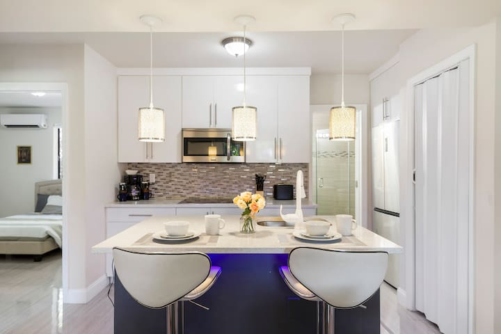 (2/3D) Perfect for Families in Upscale Area